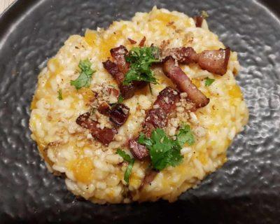 Risotto de courge butternut, lard grillé et noix