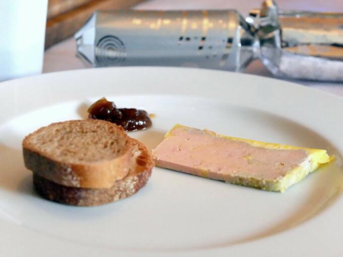 Foie gras mi-cuit en terrine