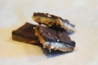 Biscuit chocolat-caramel-spéculoos